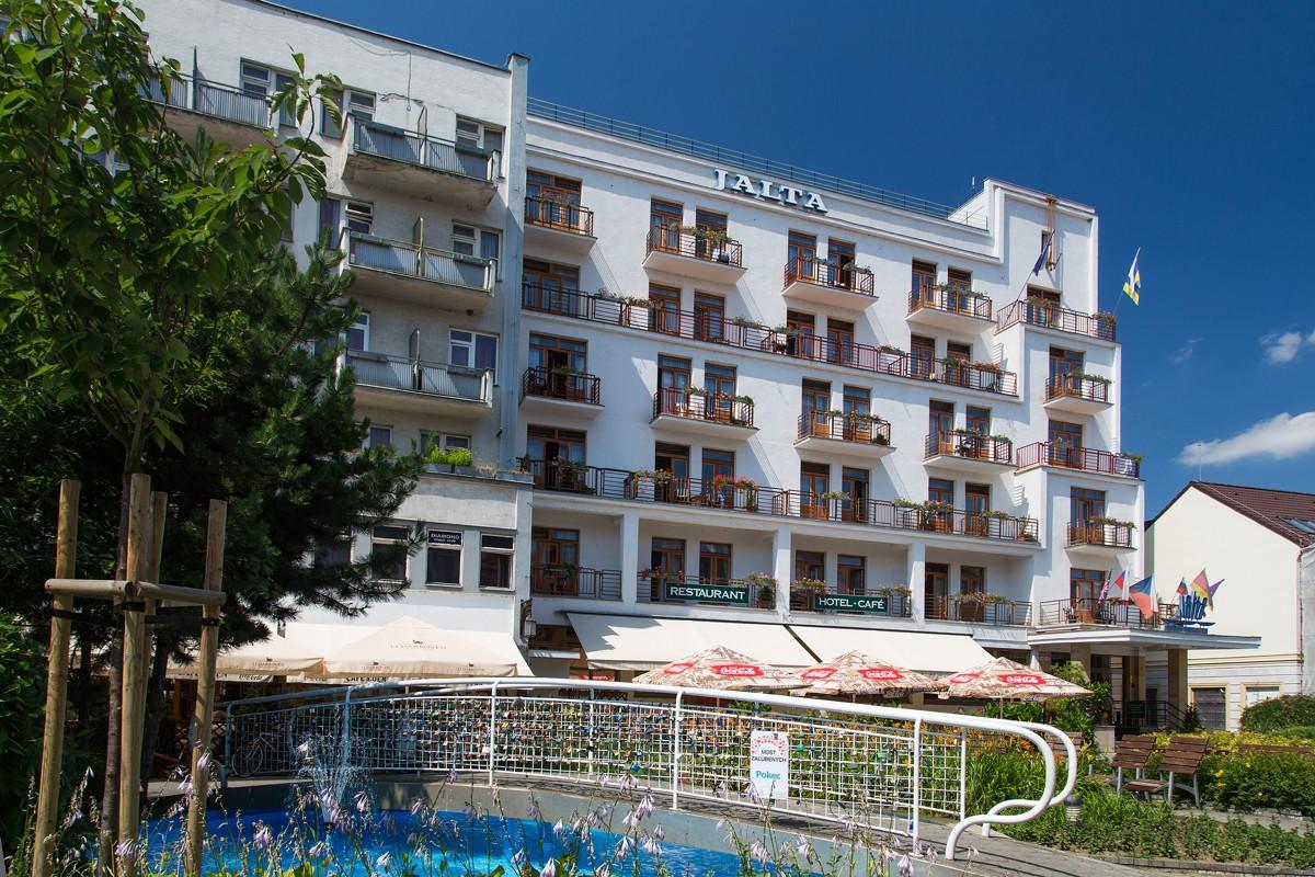 Hotel Jalta **